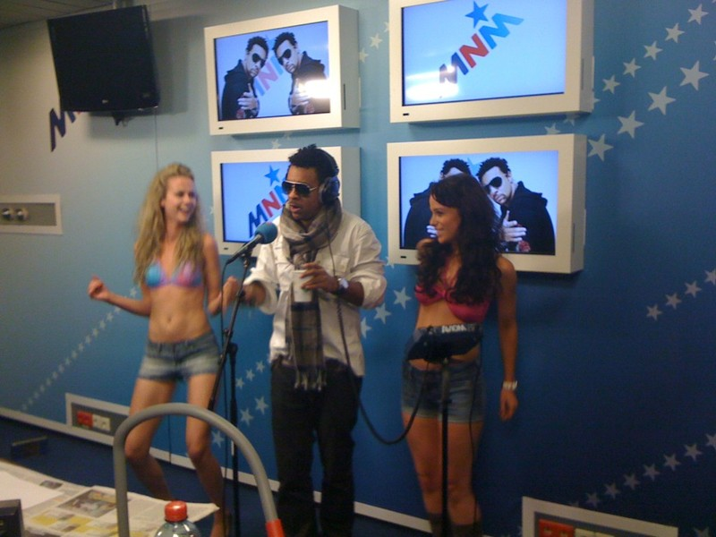 Shaggy live at the MNM Studio in Belgium België Brussel live on the radio show